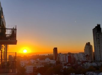 DEPARTAMENTO 4 AMBIENTES CON LINDISIMO BALCON SUPER LUMINOSO – 2 BAÑOS- ESPACIO GUARDA COCHE