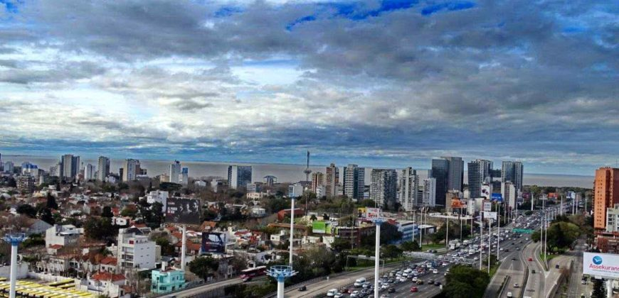 LINDISMO DEPTO DE 3 AMBIENTES CON VISTA ABIERTA CIUDAD Y RIO PISO 17