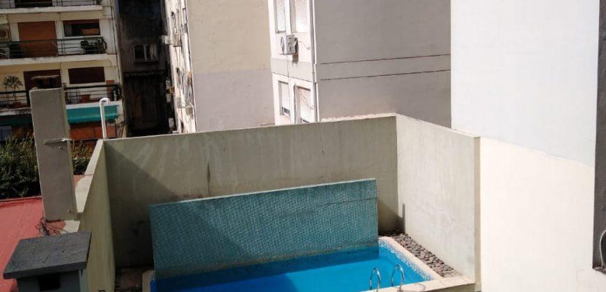 DEPARTAMENTO 2 AMBIENTES CON DORMITORIO EN SUITE Y COCHERA