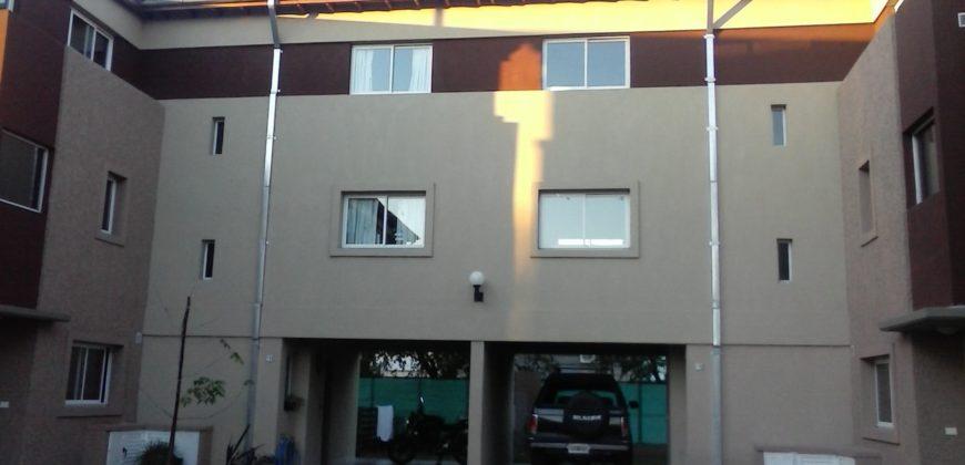 Moderna Casa en Barrio Cerrado Los Fresnos – Lugones 3120, Victoria.