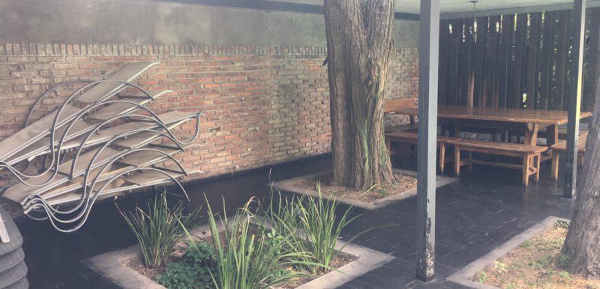 Duplex de categoría en complejo cerrado – Lomas de San Isidro.