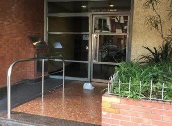 MUY BUEN DEPARTAMENTO DE 3 AMBIENTES- EXELENTE UBICACION
