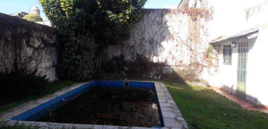 Chalet en La Lucila – Dr. Tomas Anchorena 1286.